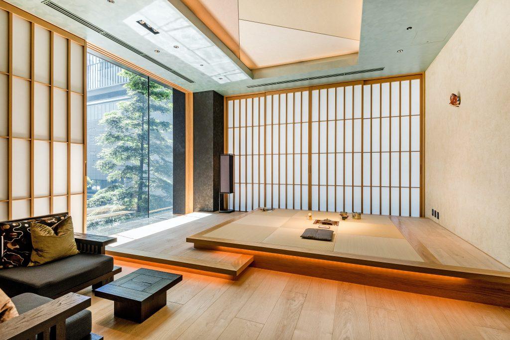 Japans interieur met een Nippon Electric  Kanaalunit